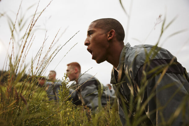 american soldiers training and screaming