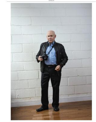 steve mccurry posing with his camera for Susi Belianska