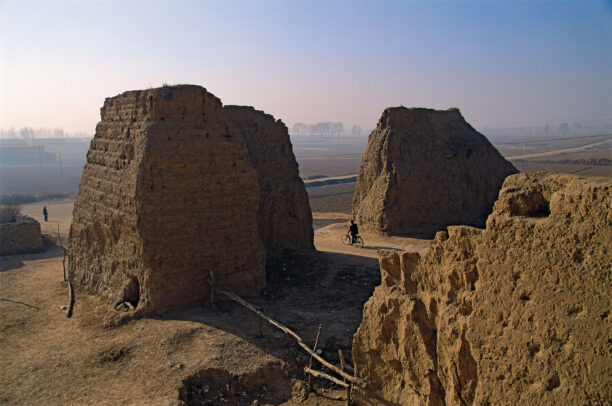 The remains of the gates to the walled city of Deshengbu
