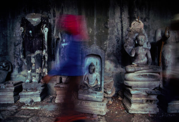 buddha statues in Angkor Wat
