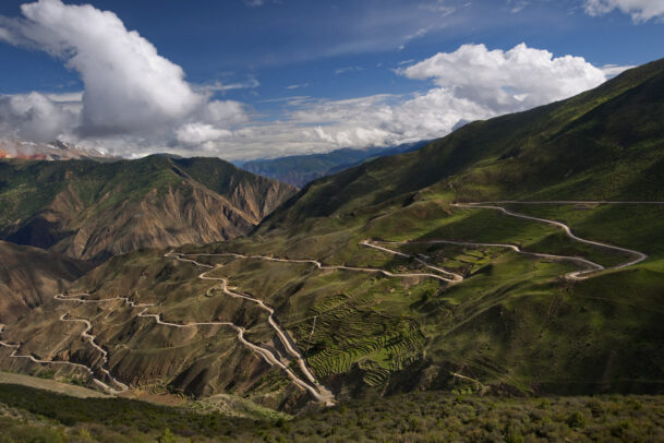 yunnan mountains with a long road